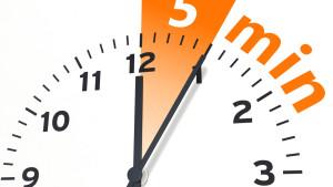 5 Minuten Uhr Zeit Zeitspanne Zeiger Pause Dauer 5min Zeitlimit Hintergrund weiß stoppen Internet Grafik Symbol Illustration rot orange ZeichenZeit stoppen kochen messen min Minute online knapp Raucherpause Rezept Stoppuhr Symbol wenig Termin 5 Minuten Timer Uhr wenig Zeit Uhrzeit web Zeitvorgabe Zeitlimit fünf Ziffernblatt Minutenzeiger Stundenzeiger Zeitmessung 3D nur fünf Minuten zeitmesser zeituhr Abbildung bildlich